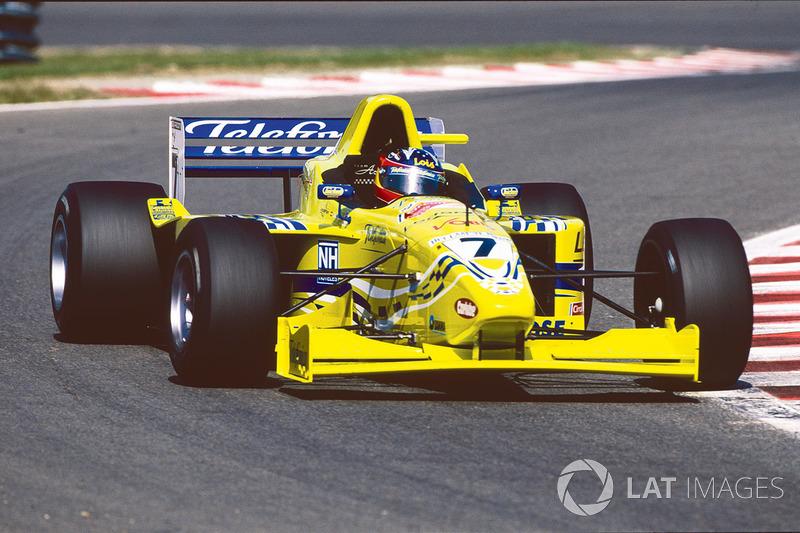 Risultati immagini per alonso yellow car