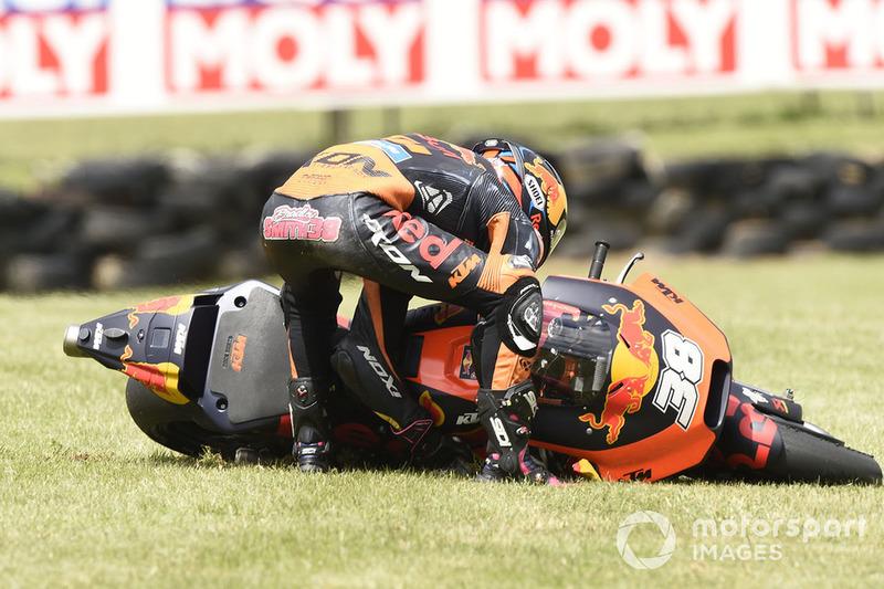 Bradley Smith, Red Bull KTM Factory Racing, choca