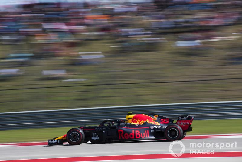 Verstappen finisht als tweede na een inhaalrace vanaf P18