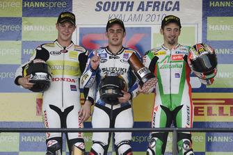 Podio; il vincitore della gara Leon Haslam, Team Suzuki Alstare, secondo Jonathan Rea, HANNspree Ten Kate Honda, terzo Max Biaggi, Aprilia Alitalia Racing