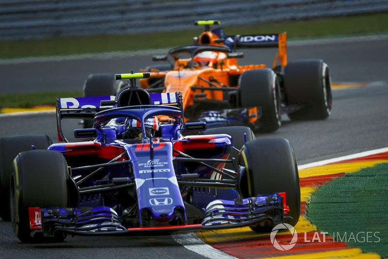 Brendon Hartley, Scuderia Toro Rosso STR13, Stoffel Vandoorne, McLaren MCL33