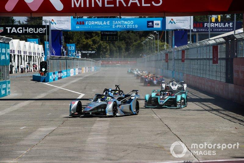 Felipe Massa, Venturi Formula E, Venturi VFE05, Oliver Rowland, Nissan e.Dams, Nissan IMO1, in lotta con Mitch Evans, Jaguar Racing, Jaguar I-Type 3