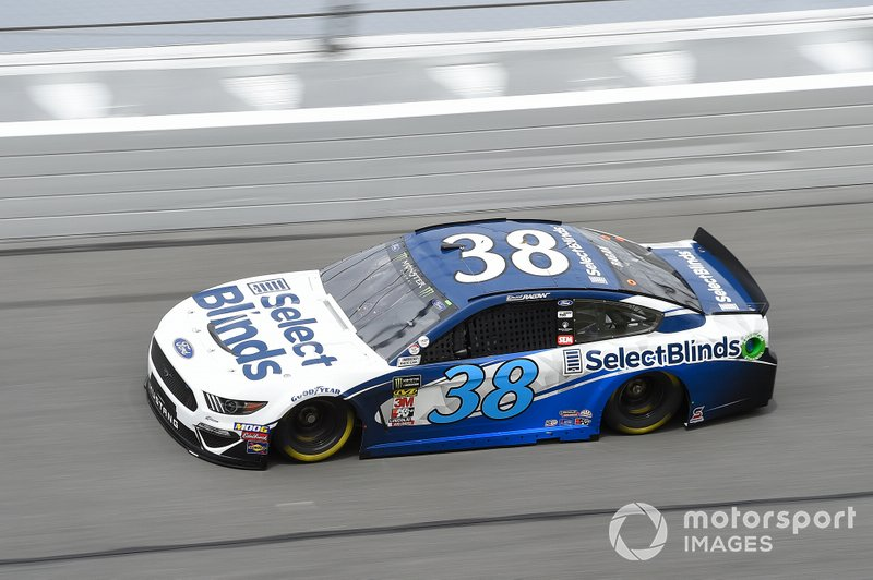 24. David Ragan, Front Row Motorsports, Ford Mustang Select Blinds