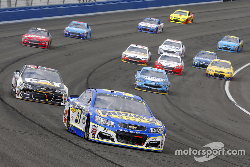 Chris Buescher, JTG Daugherty Racing, Chevrolet; Ryan Newman, Richard Childress Racing, Chevrolet