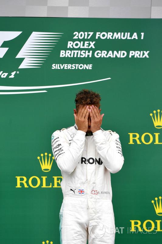 Lewis Hamilton, Mercedes AMG F1 que se celebra en el podio