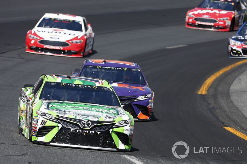 Kyle Busch, Joe Gibbs Racing Toyota Denny Hamlin, Joe Gibbs Racing Toyota