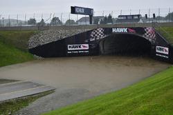 Un túnel inundado en Road America