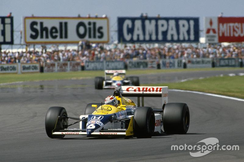 Nelson Piquet, Williams FW11B, devant Nigel Mansell, Williams FW11B