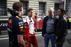 Christian Horner, Takım Patronu, Red Bull Racing, Sebastian Vettel, Ferrari, Adrian Newey, Teknik Şef, Red Bull Racing