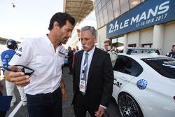 Mark Webber, Porsche-Botschafter; Chase Carey, Formel-1-Chef