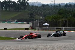 Кімі Райконен, Ferrari SF70H, Валттері Боттас, Mercedes-Benz F1 W08