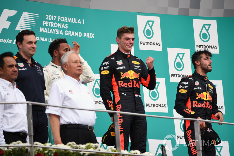 Lewis Hamilton, Mercedes AMG F1, Max Verstappen, Red Bull Racing and Daniel Ricciardo, Red Bull Racing celebrate on the podium