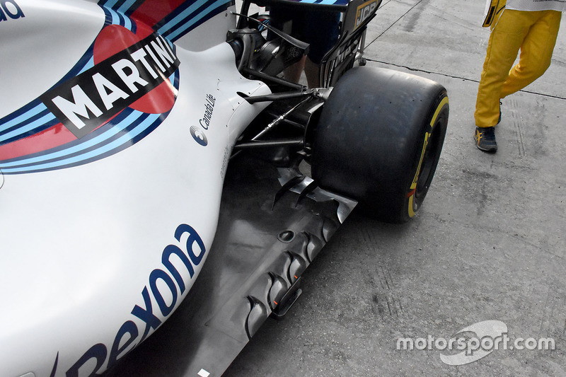 Williams FW40 yan detay