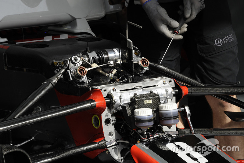 Haas F1 Team VF-17 front suspension detail
