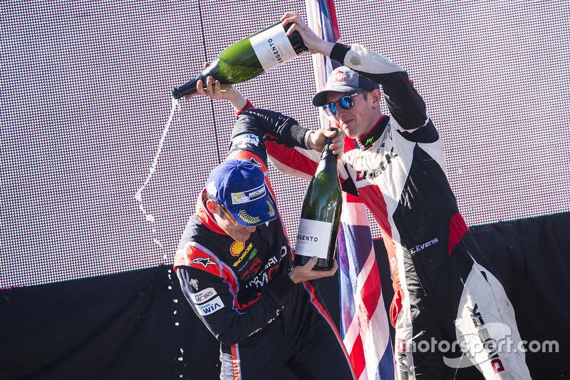 Podium: winner Thierry Neuville, Hyundai Motorsport, second place Elfyn Evans, M-Sport