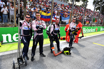 Racing Point Force India VJM11 mechanics on the grid