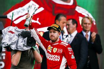 Обладатель второго места Себастьян Феттель, Ferrari