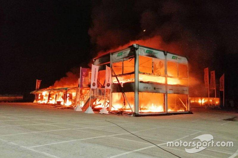 Kebakaran MotoE di paddock Jerez