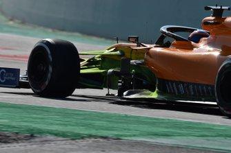 Carlos Sainz Jr., McLaren MCL34 with aero paint on front suspension