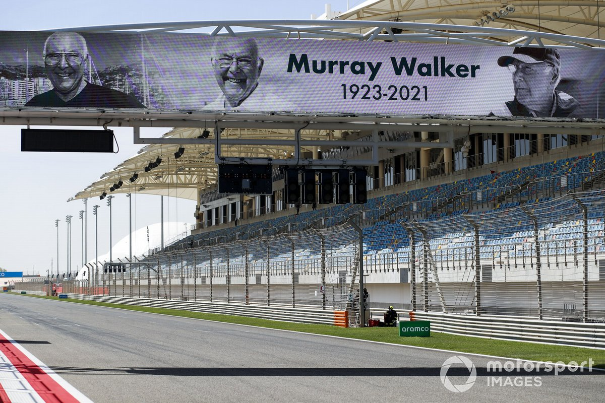 Murray Walker tribute banner