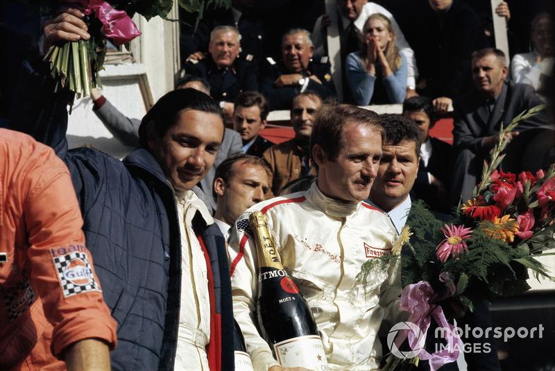 Ganadores de la carrera #9 Ford GT40: Pedro Rodríguez, Lucien Bianchi