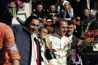 Race winners #9 Ford GT40: Pedro Rodriguez, Lucien Bianchi