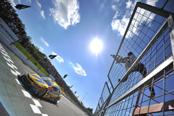 Thiago Camilo vence corrida 1