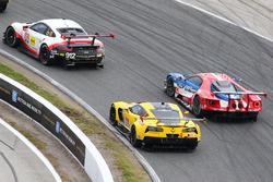 #4 Corvette Racing Chevrolet Corvette C7.R: Oliver Gavin, Tommy Milner, Marcel Fässler, #68 Ford Per