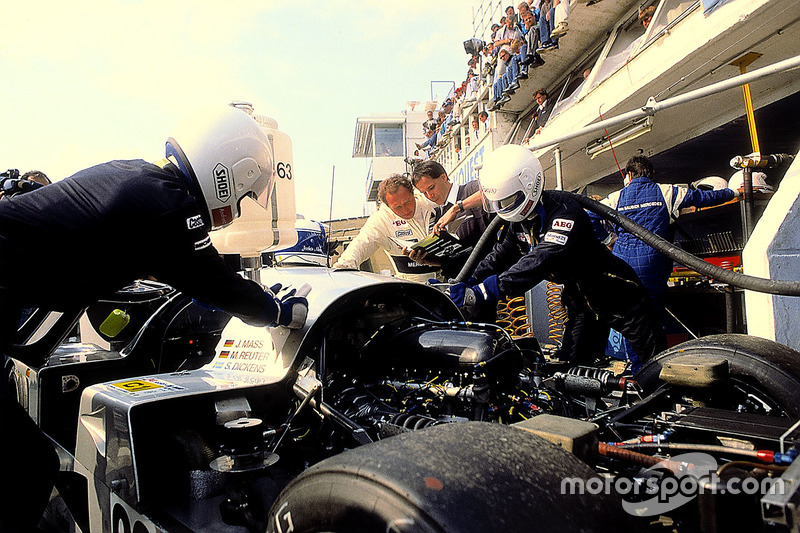 1989 год. Экипаж Йохена Масса, Мануэля Ройтера и Стенли Дикенса, Sauber C9 Mercedes-Benz