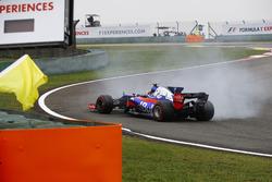 Карлос Сайнс-мл., Scuderia Toro Rosso STR12, разворот в начале гонки