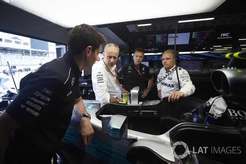 Valtteri Bottas, Mercedes AMG F1, Tony Ross, Mercedes AMG F1