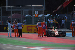 Fernando Alonso, McLaren stops on track in FP2