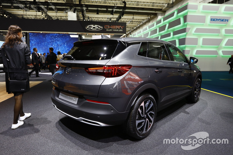 opel grandland x bei iaa 2017 in frankfurt automotive fotos. Black Bedroom Furniture Sets. Home Design Ideas