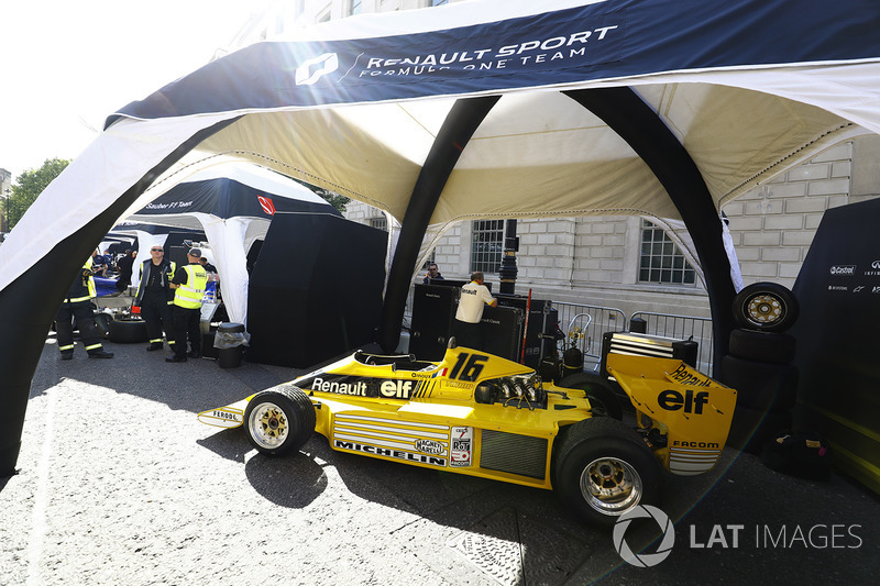 A Renault Sport F1 Team RS01 ready for a demo run