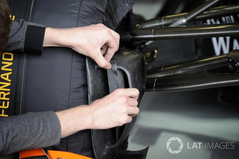 Повітроповід передніх гальм McLaren MCL32 Фернандо Алонсо