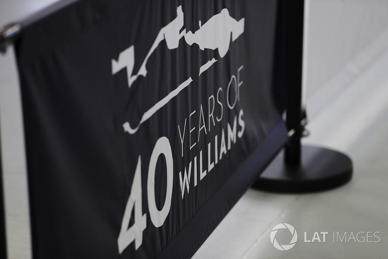 40 років Williams, атмосфера
