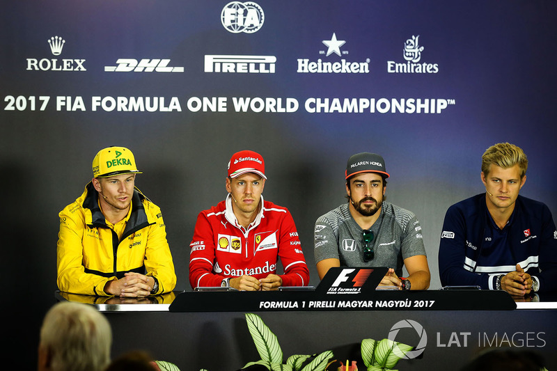 Ніко Хюлькенберг, Renault Sport F1 Team RS17, Себастьян Феттель, Ferrari, Фернандо Алонсо, McLaren,