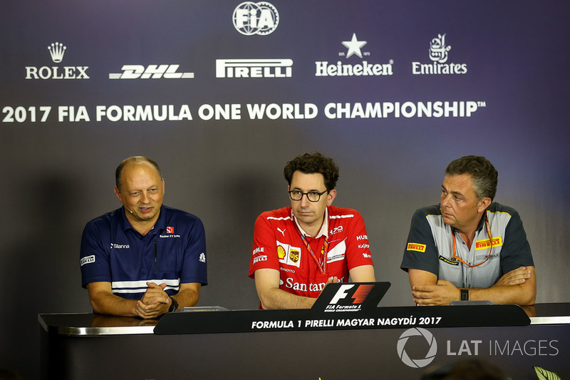 Frederic Vasseur, Sauber-Teamchef, Mattia Binotto, Ferrari-Technikchef, Mario Isola, Pirelli-Motorsp