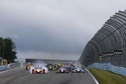 Alexander Rossi, Curb Herta - Andretti Autosport Honda, Josef Newgarden, Team Penske Chevrolet lead