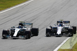 Valtteri Bottas, Mercedes AMG F1 W08, Lance Stroll, Williams FW40