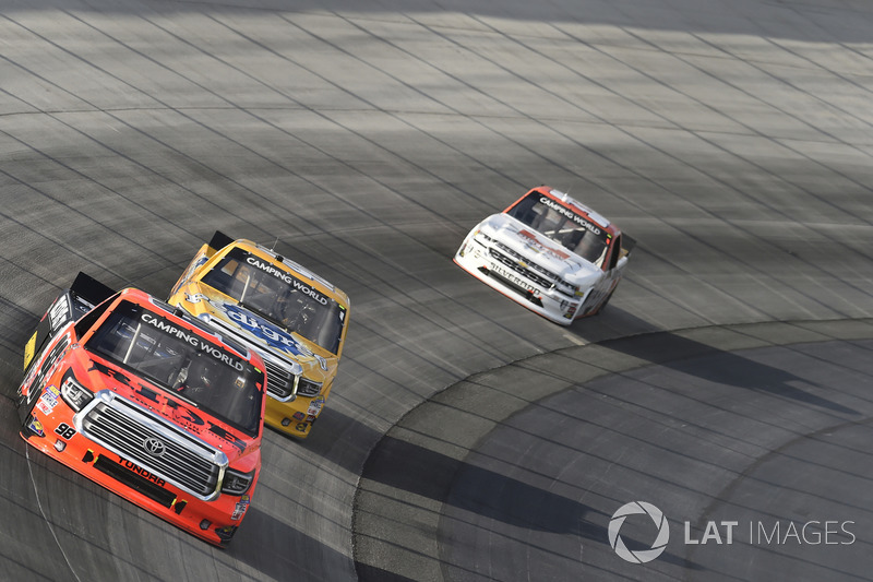 Grant Enfinger, ThorSport Racing, Toyota; Todd Gilliland, Kyle Busch Motorsports, Toyota