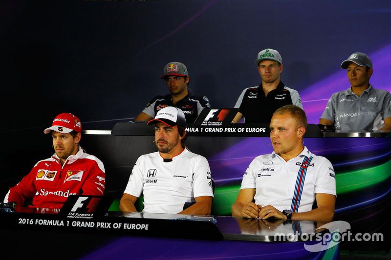 Carlos Sainz Jr., Scuderia Toro Rosso; Nico Hulkenberg, Sahara Force India F1; Rio Haryanto, Manor Racing; Sebastian Vettel, Ferrari; Fernando Alonso, McLaren; Valtteri Bottas, Williams