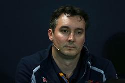 Джеймс Кей, технический директор Scuderia Toro Rosso на пресс-конференции FIA