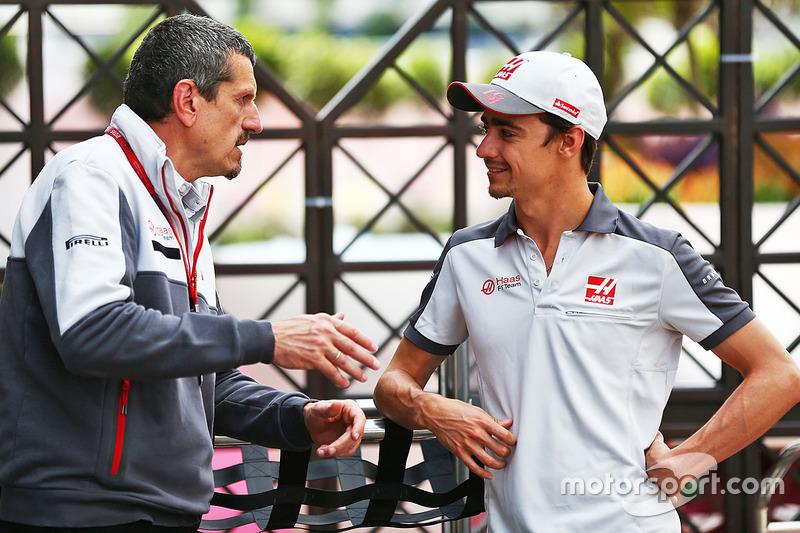 (L to R): Guenther Steiner, Haas F1 Team Principal with Esteban Gutierrez, Haas F1 Team
