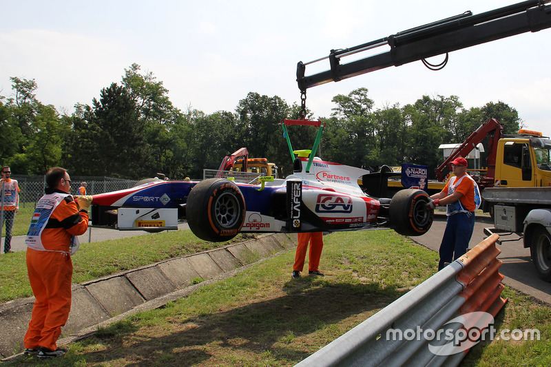 Car of Luca Ghiotto, Trident