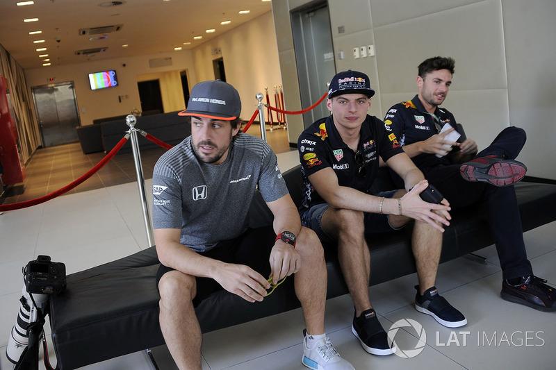 Fernando Alonso, McLaren y Max Verstappen, Red Bull Racing