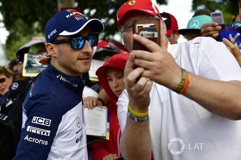 Robert Kubica, Williams fans selfie