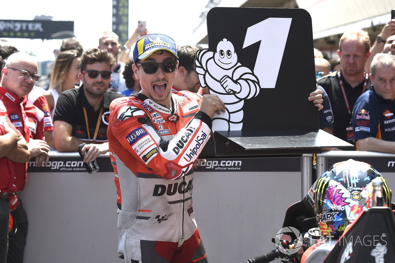 Pole position for Jorge Lorenzo, Ducati Team