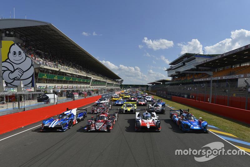 Foto oficial de grupo de coches