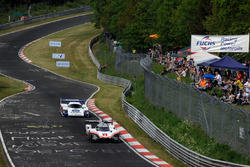 Тимо Бернхард, Porsche 919 Hybrid Evo, и Ханс-Йоахим Штук, Porsche 956 C